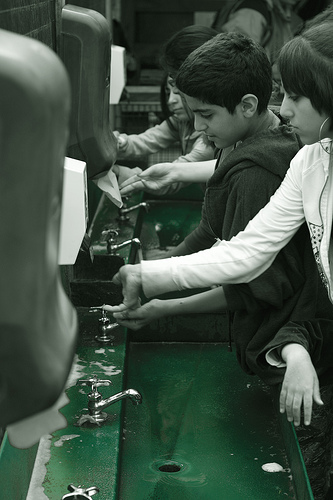 washing_hands_eflonflickr