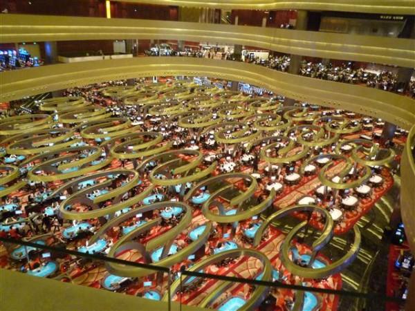 http://www.businesspundit.com/wp-content/uploads/2011/04/06-Maze-600x450.jpg