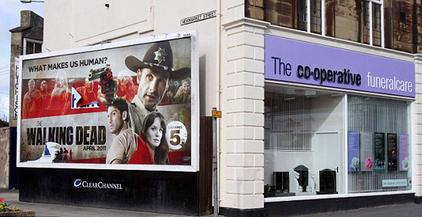 15 Hilariously Inappropriate Billboard Juxtapositions