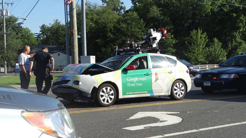 google-maps-car-crashed2