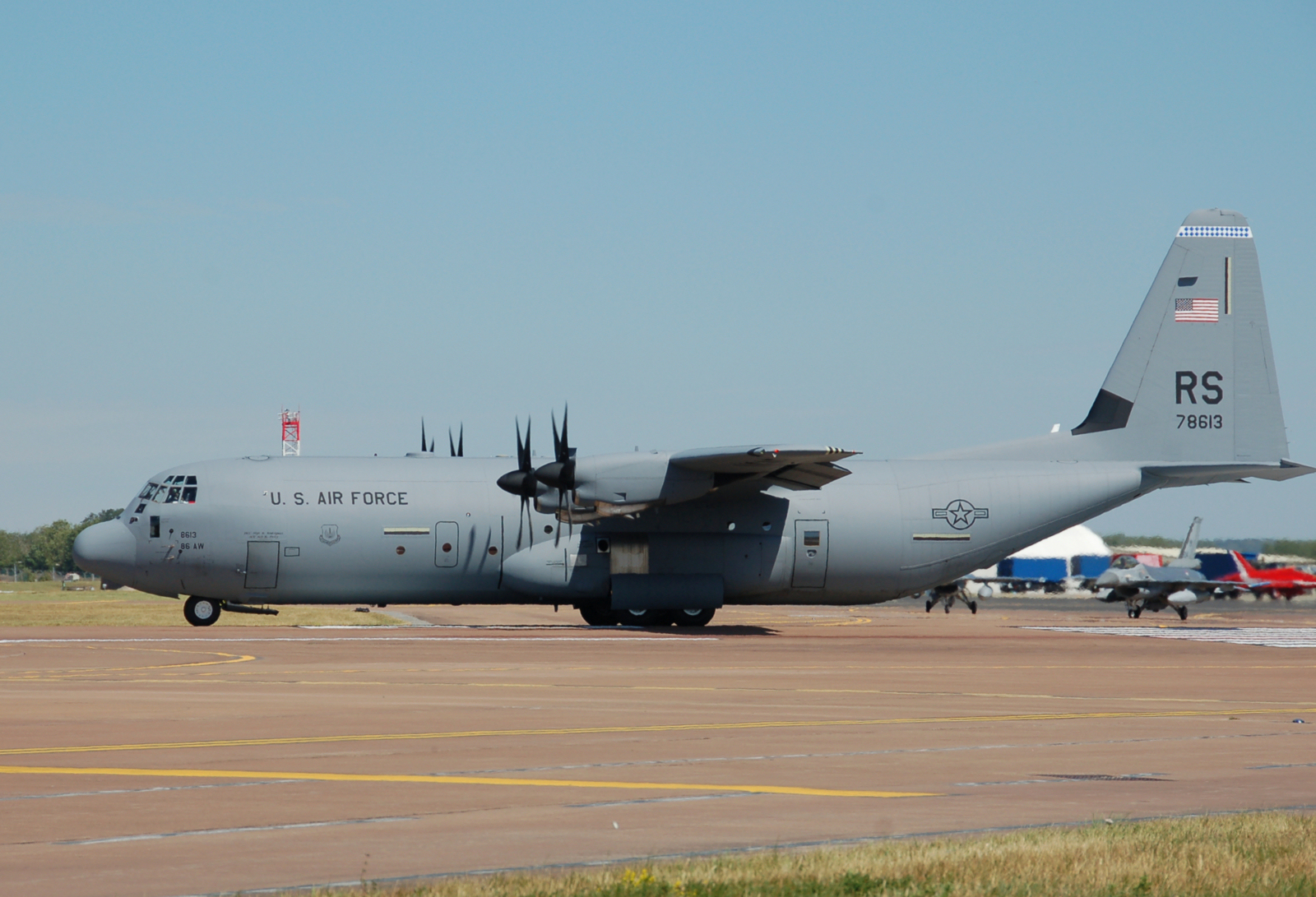 Lockheed Secures $969 Million Contract For 17 C-130J Aircraft