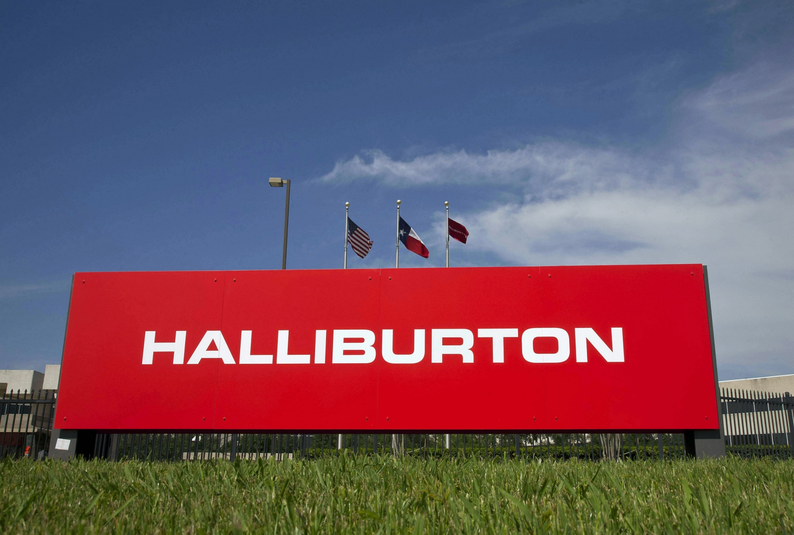 Halliburton to acquire Baker Hughes