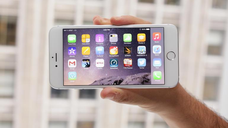 Apple iPhone sales declining
