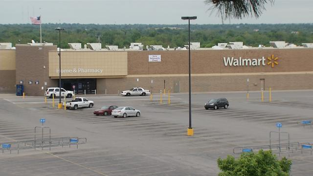 Walmart bleak retail outlook