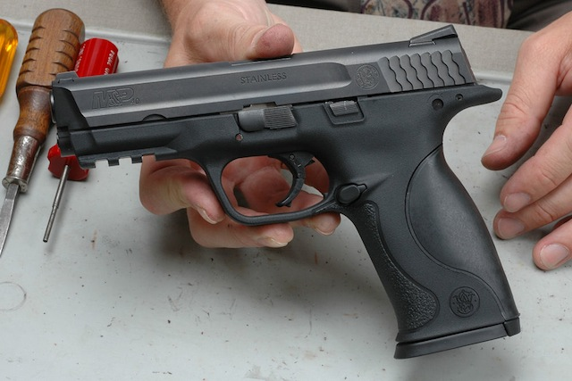 Smith and Wesson record gun sales