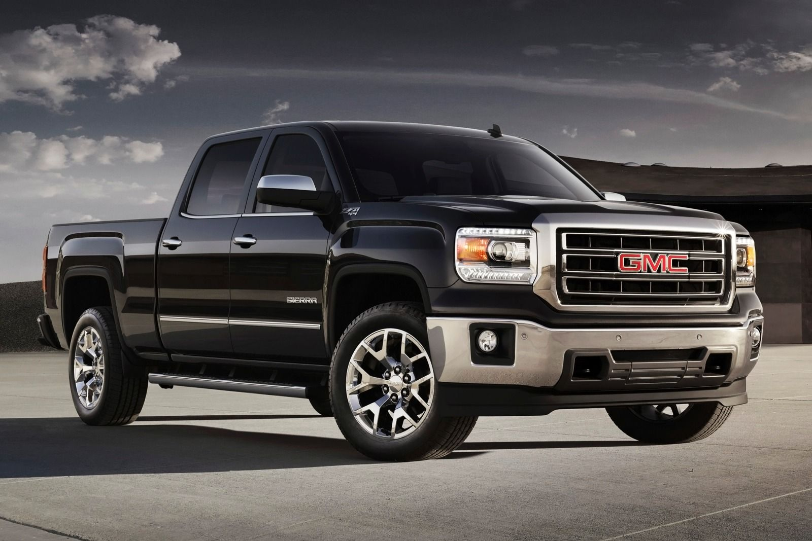 GM recalls 1 million pickup trucks around the world