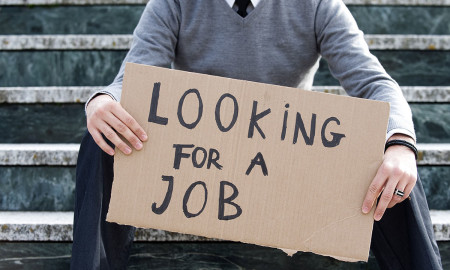Jobless claims fall in US