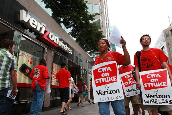 Verizon workers striking