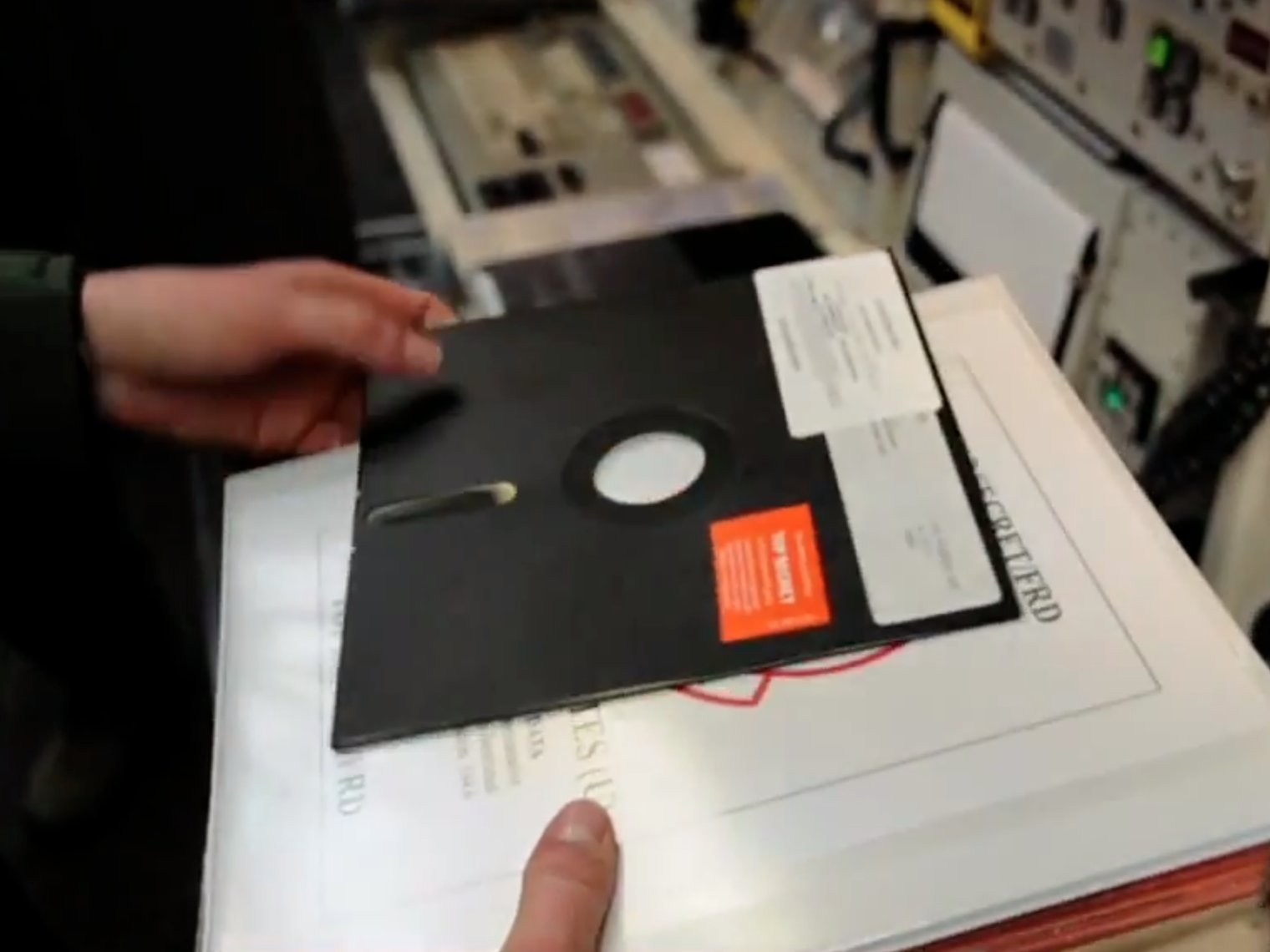 America's nukes are controlled by 8-inch floppy disks