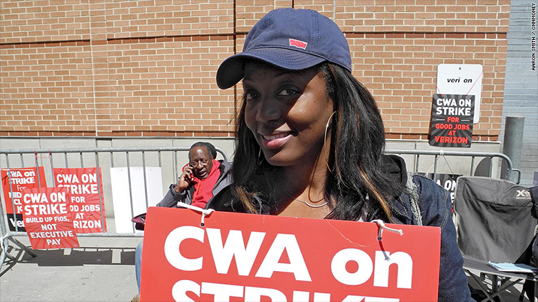 Striking Verizon Worker