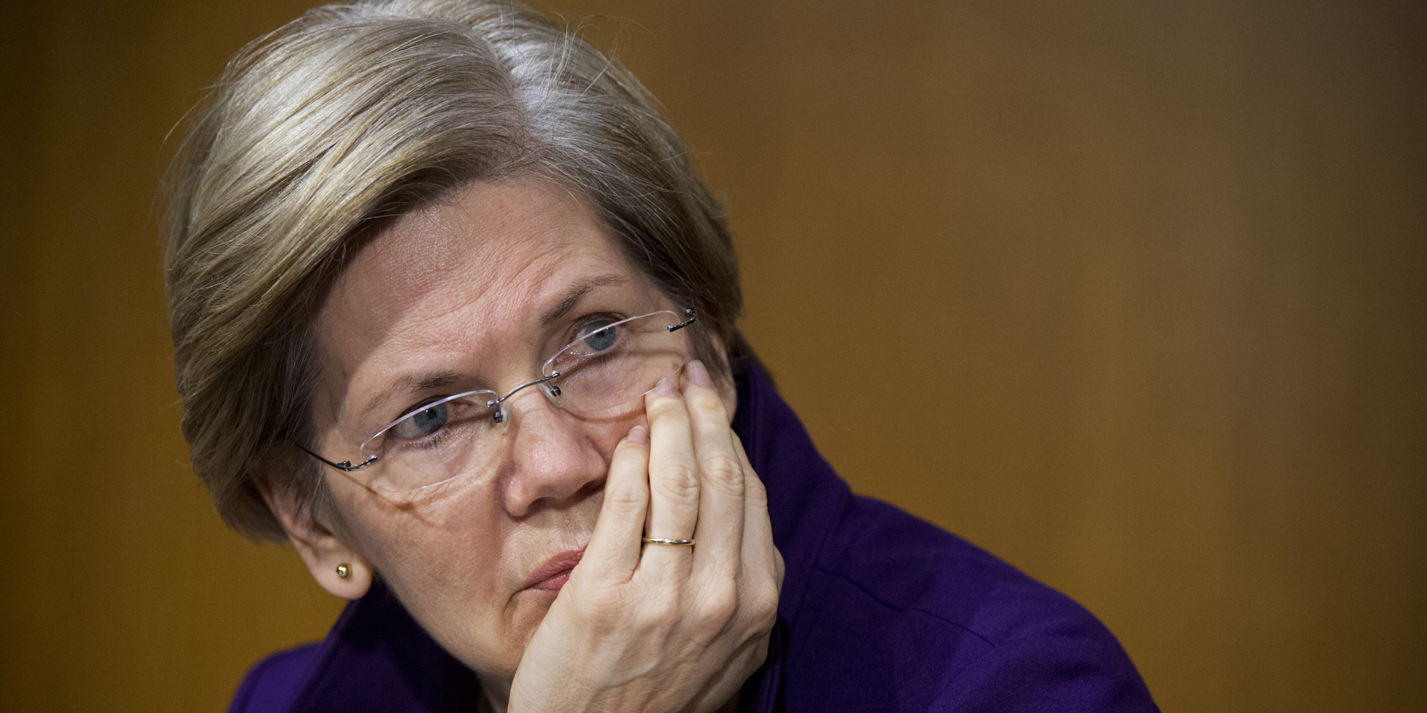 Hillary Clinton is targeting Elizabeth Warren to be her running mate