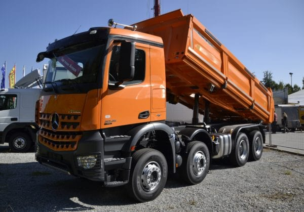 Mercedes-Benz_Arocs_-_dump_truck_version_(1)